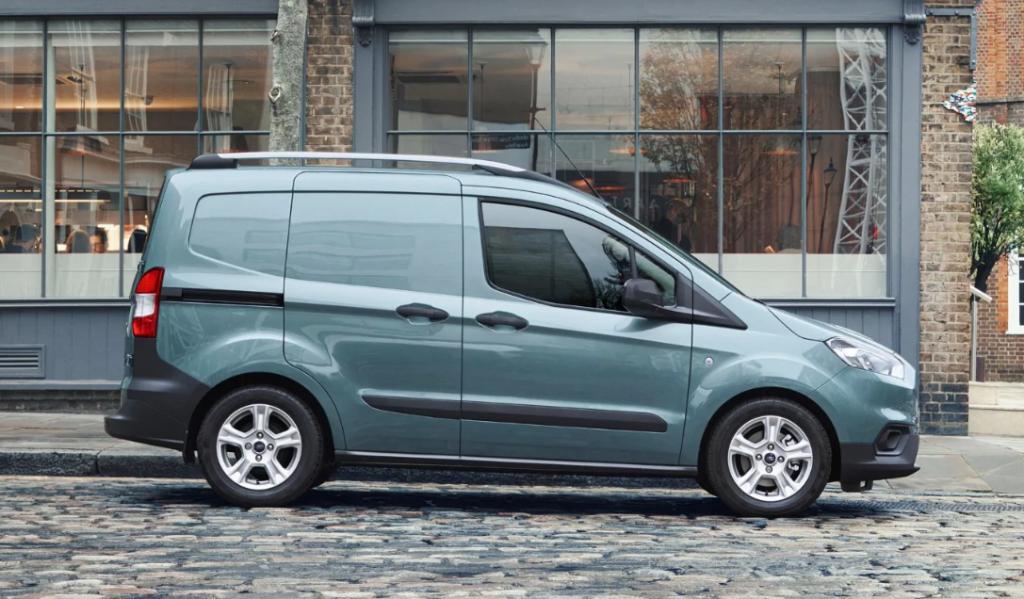 La Ford Transit Courier incorpora una tecnología que permite escoger la velocidad de conducción, y el sistema se encarga de mantenerla.